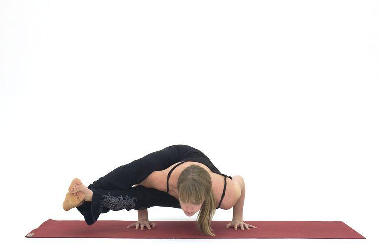 How to Do Eight Angle Pose - Astavakrasana