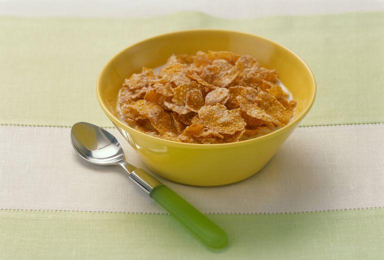 Bowl of cornflakes, close up
