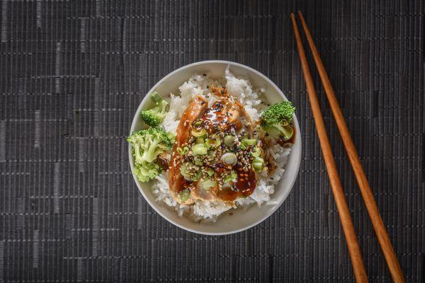 bowl of white rice, veggies, and teriyaki chicken