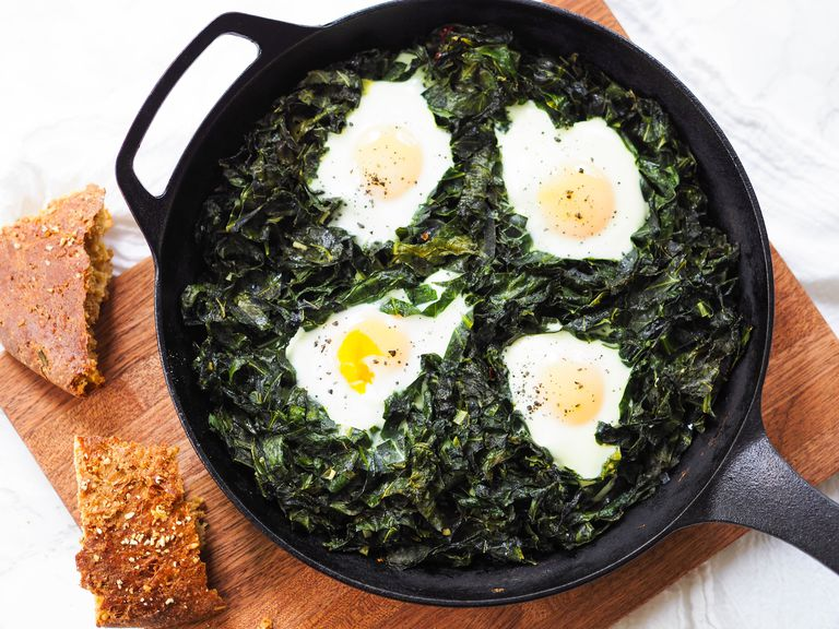 low carb baked eggs and greens