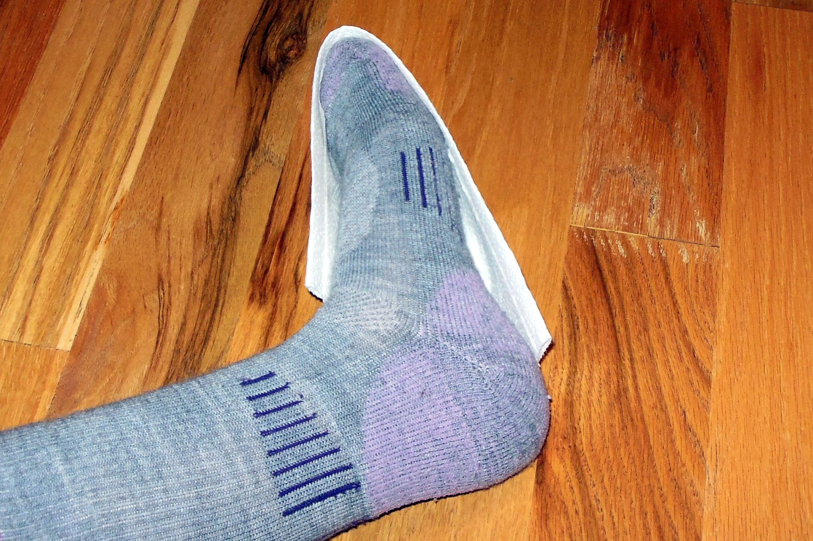 bcf5051398266 10 Ways to Keep Your Feet Warm on a Cold Weather Walk