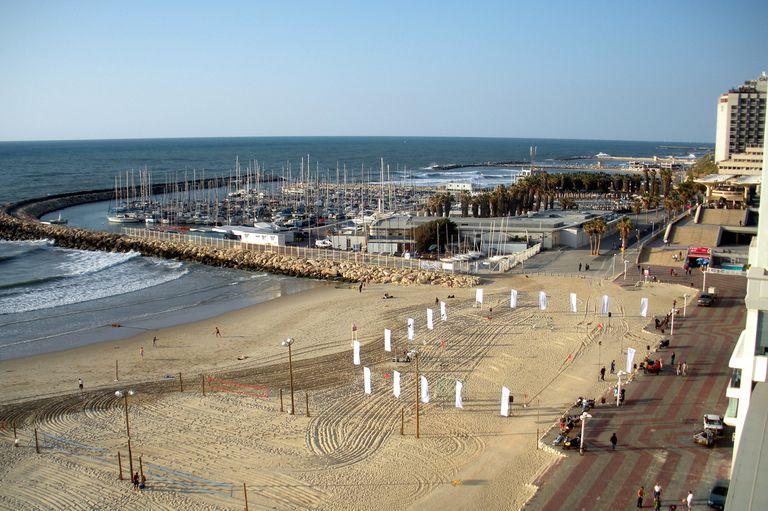 Tel Aviv Marina and Mediterranean Sea View 2x3