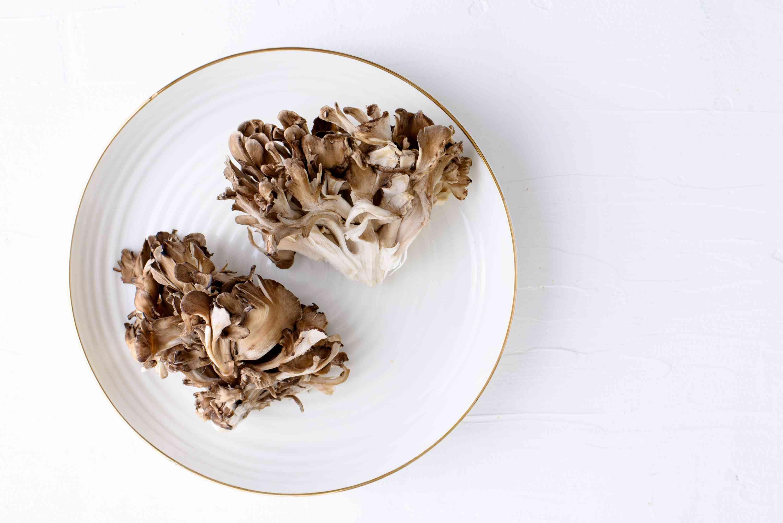 vitamin maitake foods mushrooms mushroom diet sources