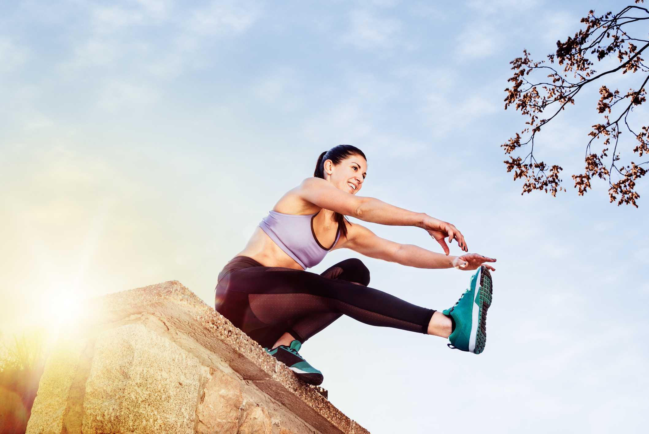 How to Do a Single-Leg Squat: Techniques, Benefits, Variations