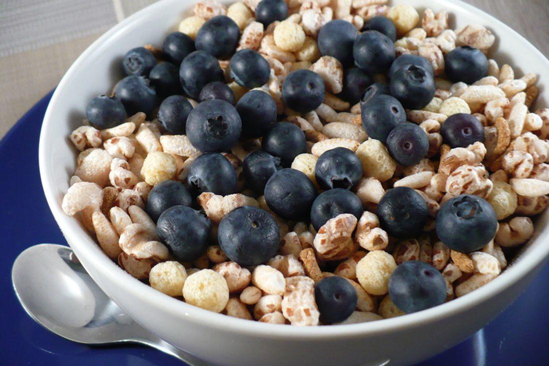 Desayuno sin cocinar: tazón de cereal enorme