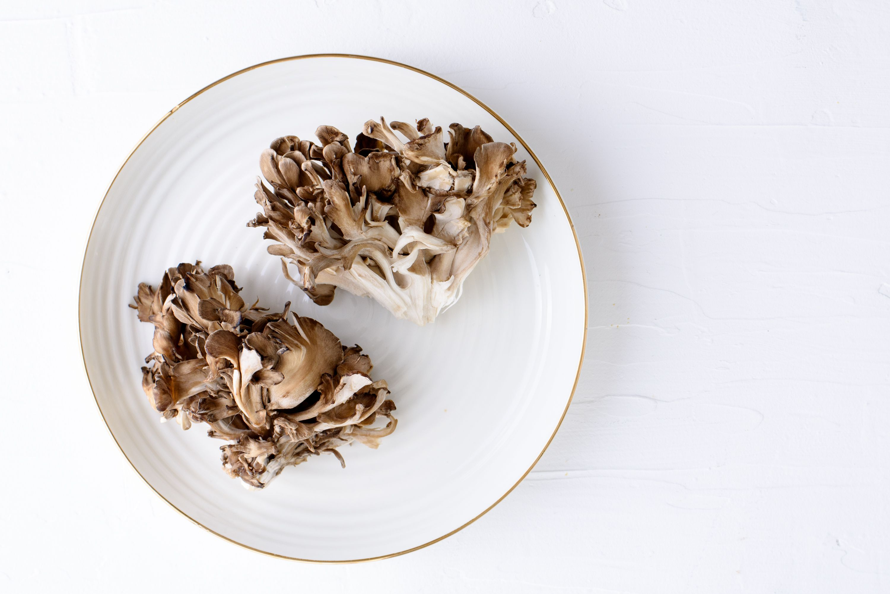 Maitake Mushrooms: Benefits, Side Effects, Dosage, and Interactions