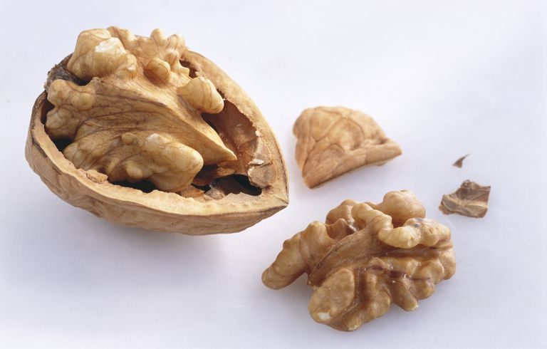 Walnuts Nutrition Facts Calories And Health Benefits