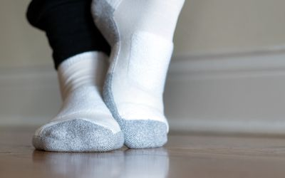 Thorlos Women LWMXW Walking Lite Cushion Ankle Socks