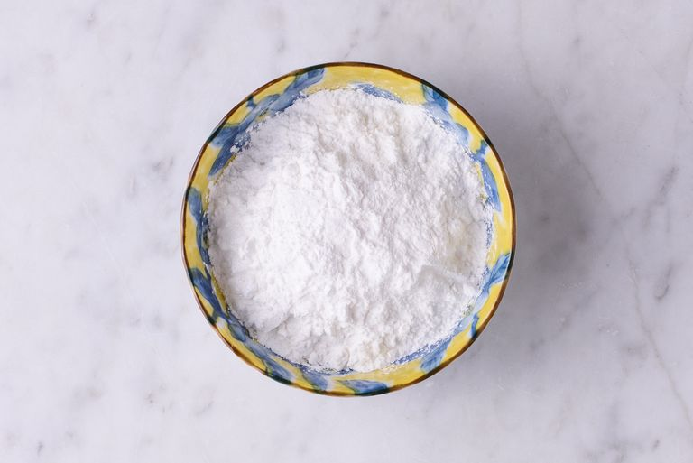 How to Substitute Cornstarch for Flour in Recipes