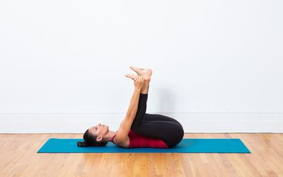 how to do skandasana side lunge yoga pose