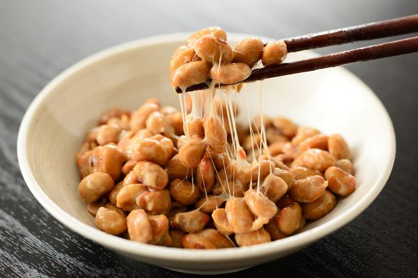 natto-japanese-food-in-a-bowl-with-chopsticks