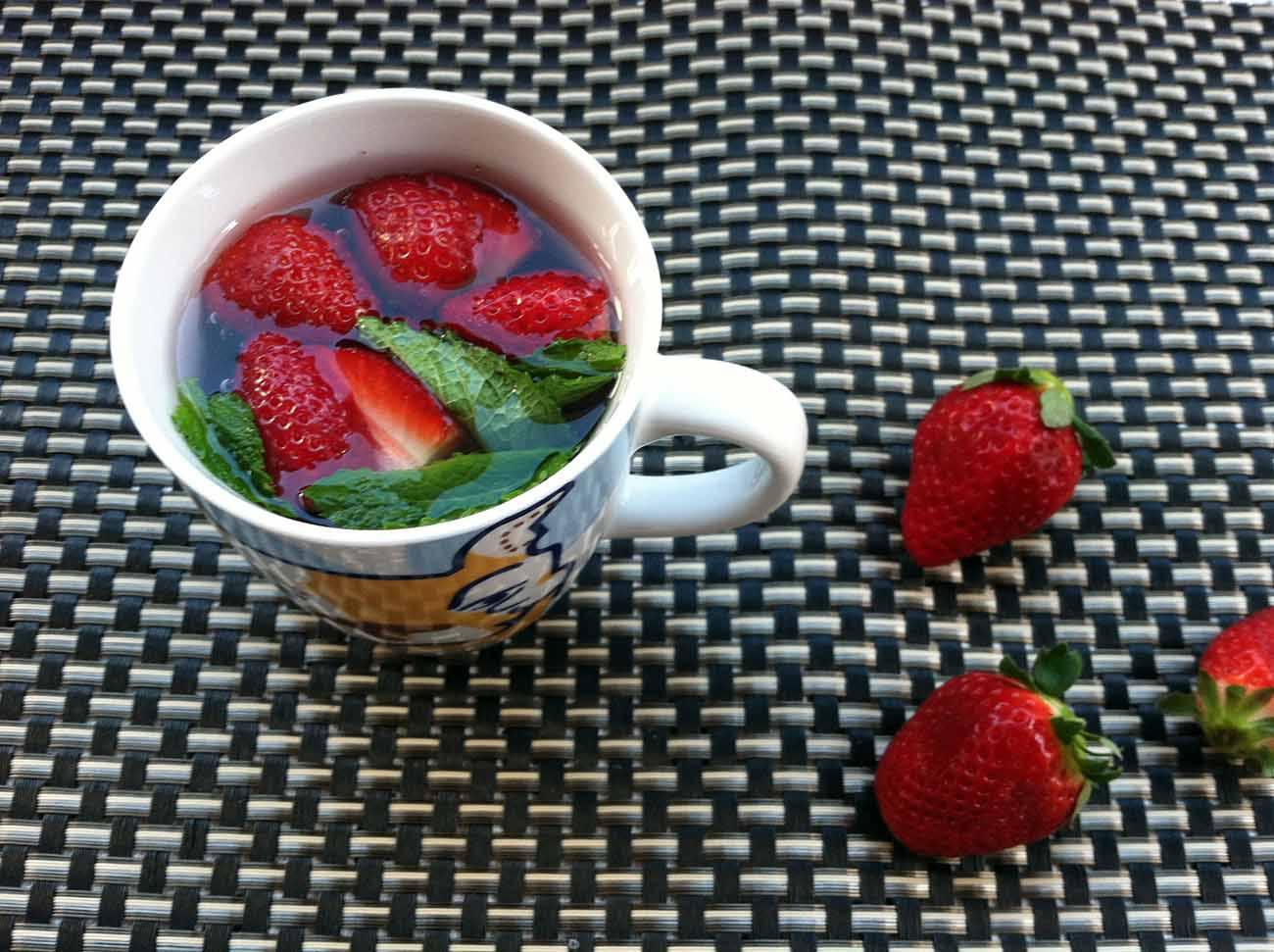 Agua de fresa y menta