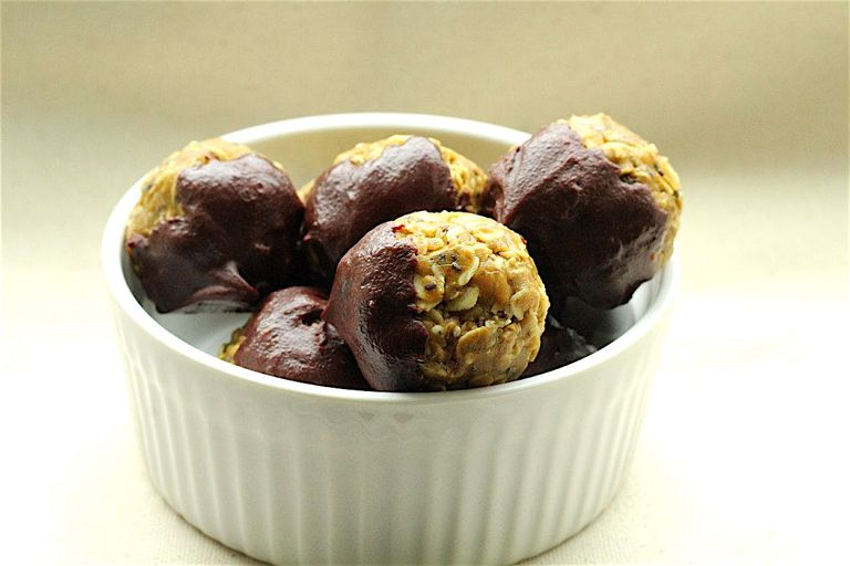 Flourless Peanut Butter Oat Bites Recipe
