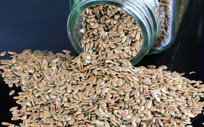 Close-up Flax seeds (Linum usitatissimum)