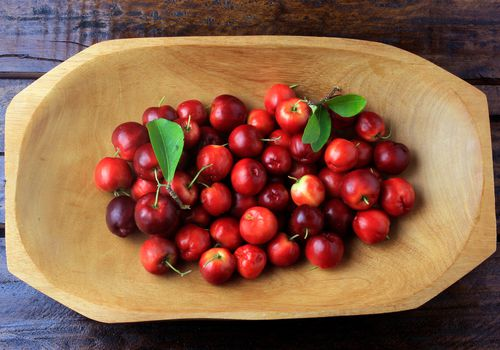 Raw, fresh Barbados cherries