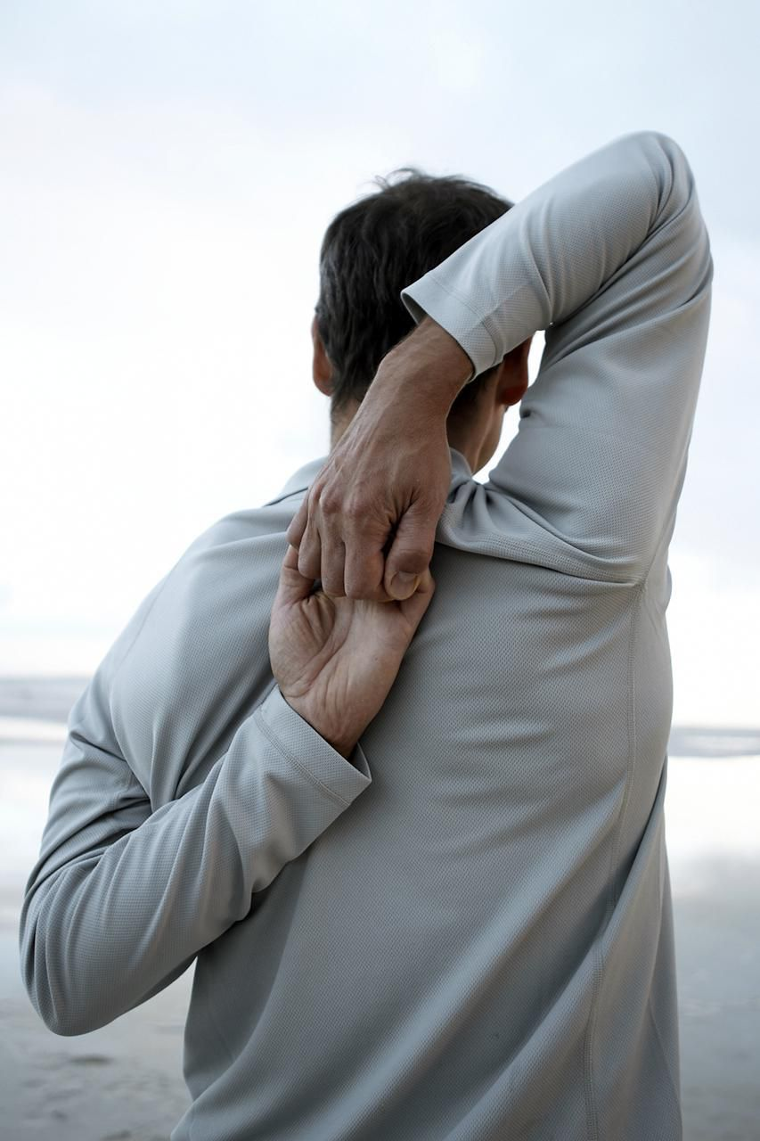 How to Fix Shoulder Joint Pain When Lifting Arm: Do Normal Shoulder Strech