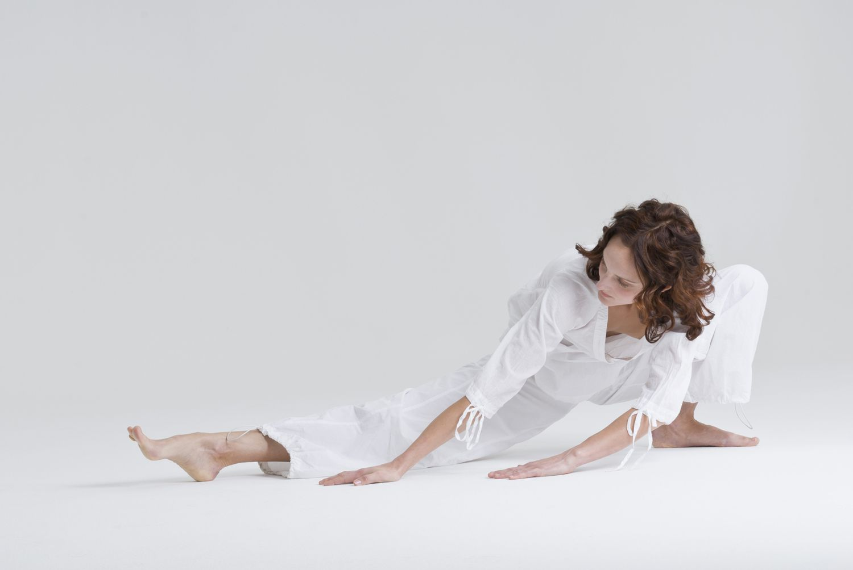 Yoga Poses for Hamstrings: Side Lunge - Skandasana