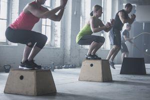 men and women doing plyometric exercises