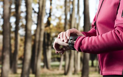 Miles to Kilometers and Walking Time Converter