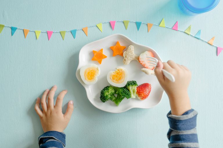 Child eating vegetarian foods