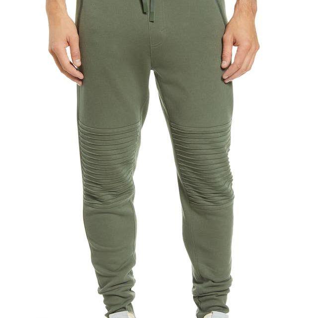 Pantalones deportivos Alo Moto