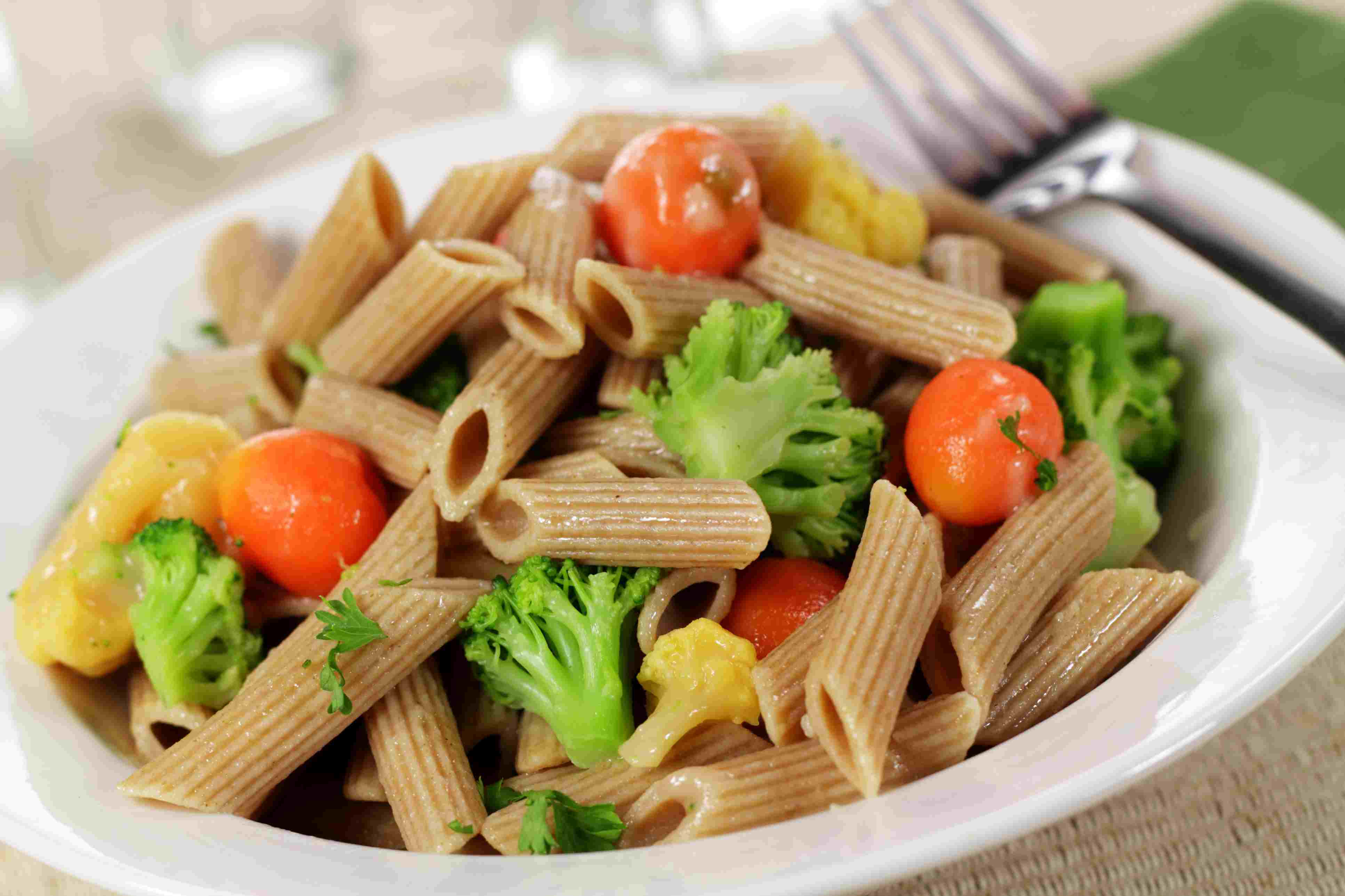 Whole wheat pasta and vegetables is high in fiber.