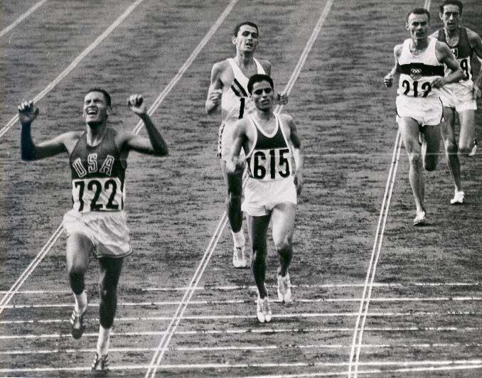 Billy Mills ganando los Juegos Olímpicos de 1964
