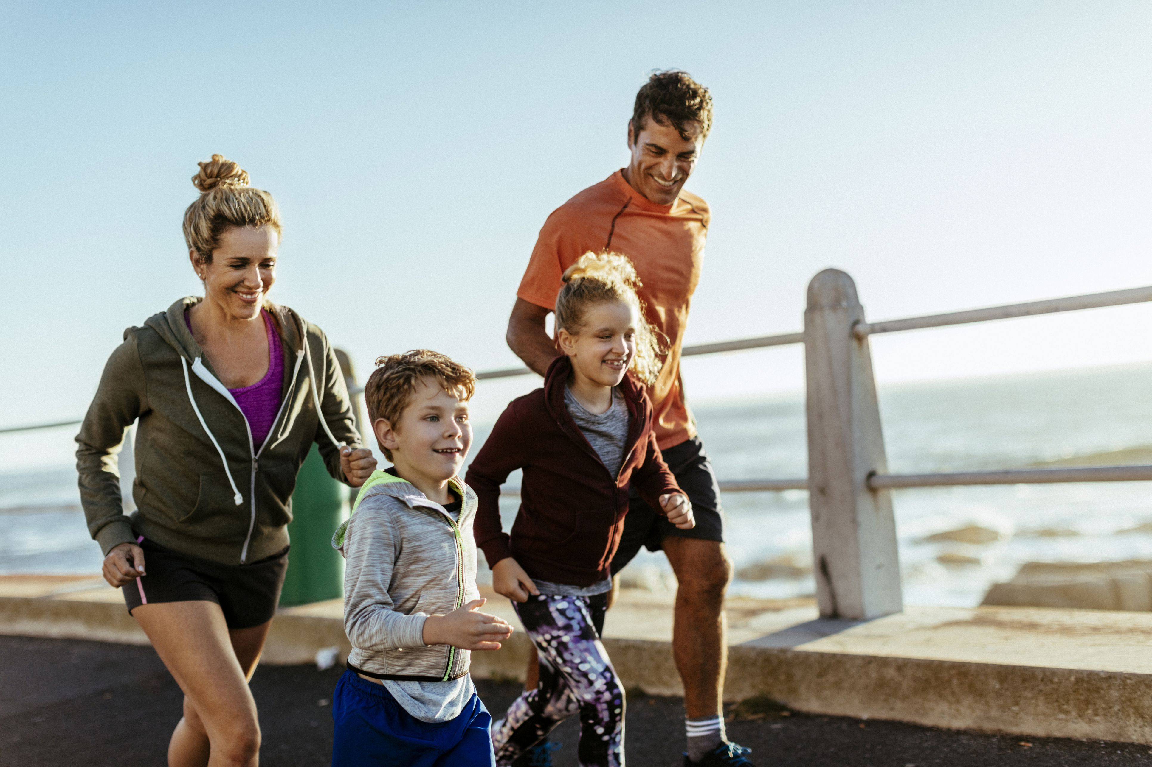 sports running fun doing run having children active sport kid staying fitness start tips mother age famille getty gettyimages benefits
