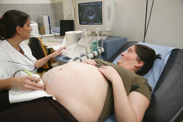 Pregnant Woman, Ultrasonography
