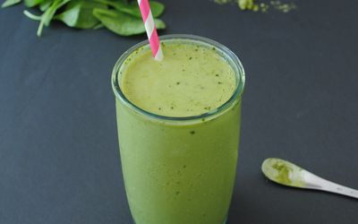 Matcha Mango Anti-inflammatory Green Smoothie