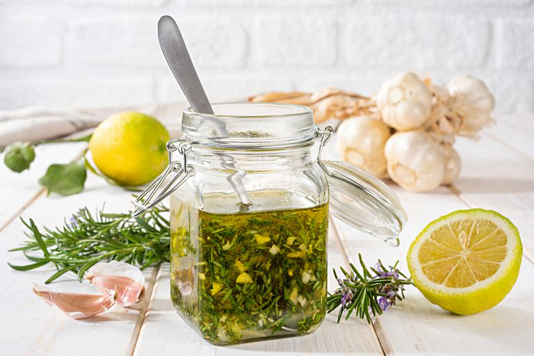 Lemon garlic salad dressing