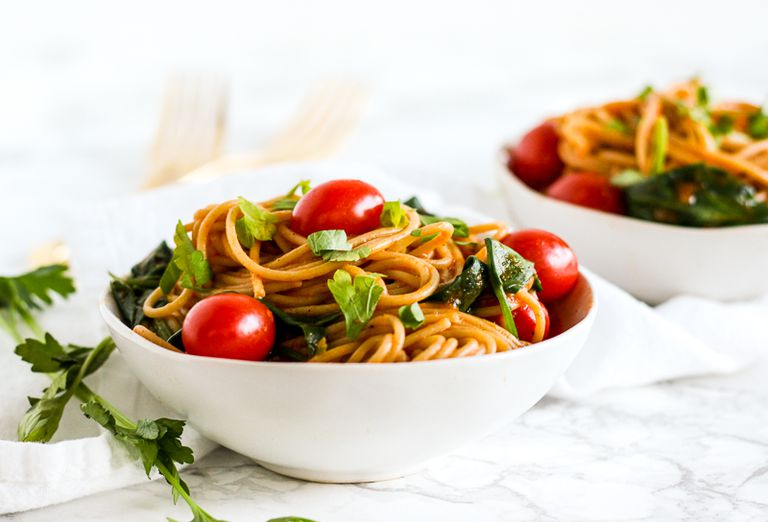 Roasted Red Pepper and Spinach Pasta