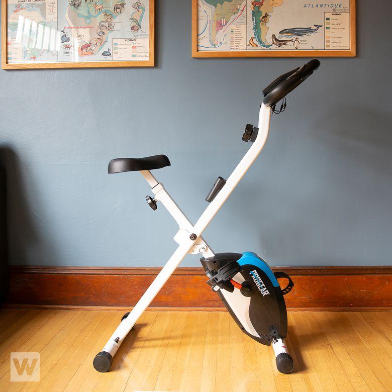 ProGear 225 Foldable Magnetic Upright Bike