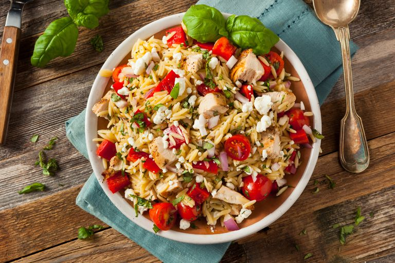 orzo salad with tomatoes, basil, and chicken