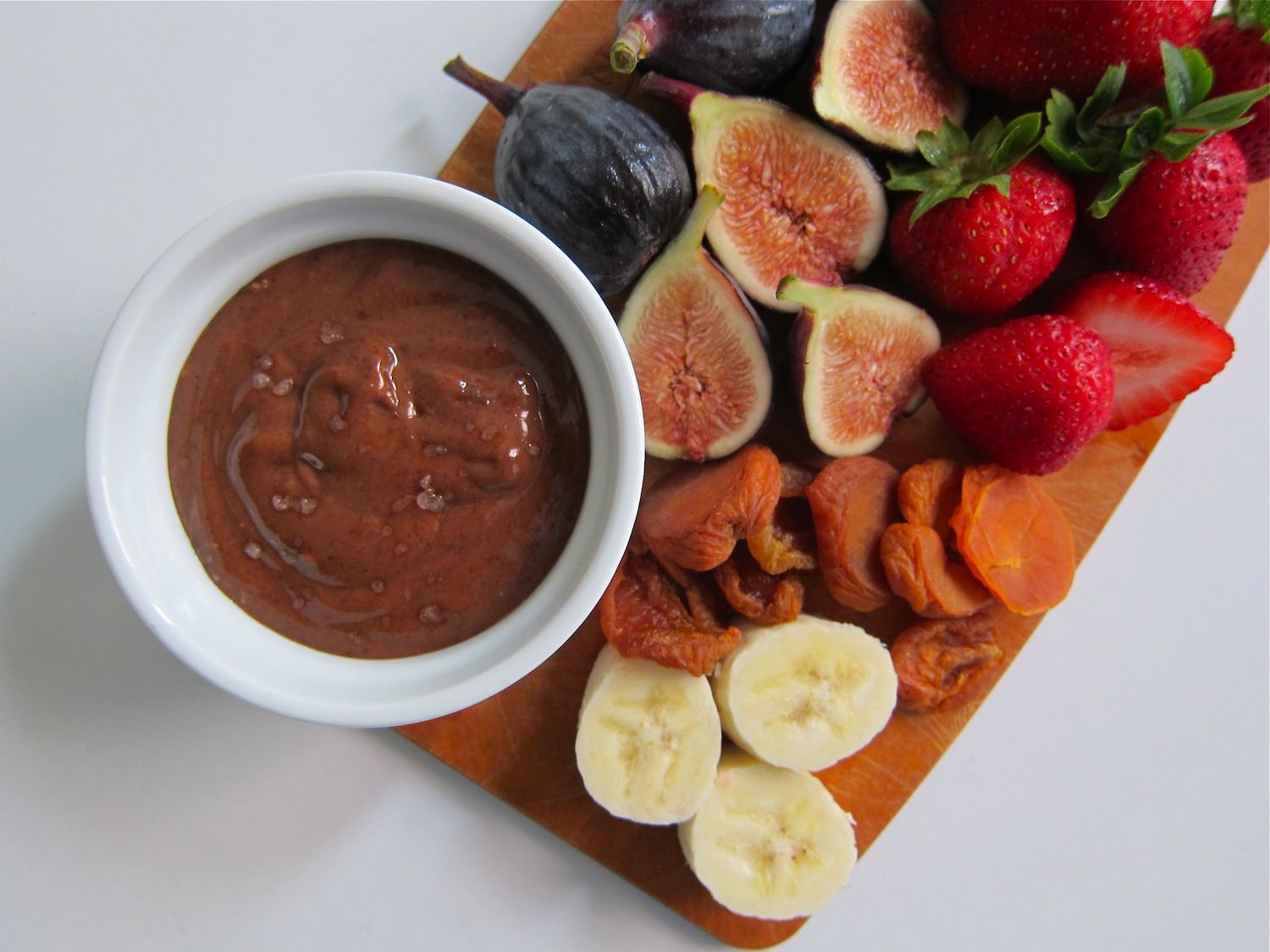 "Satisfy Your Sweet Tooth With This Healthy Chocolate ""Fondue"" Recipe"