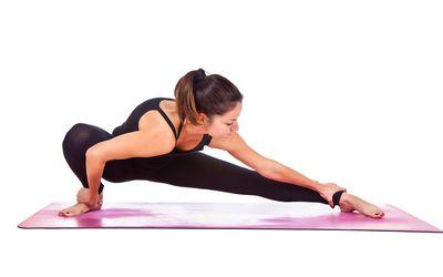 how to do marichyasana a yoga pose