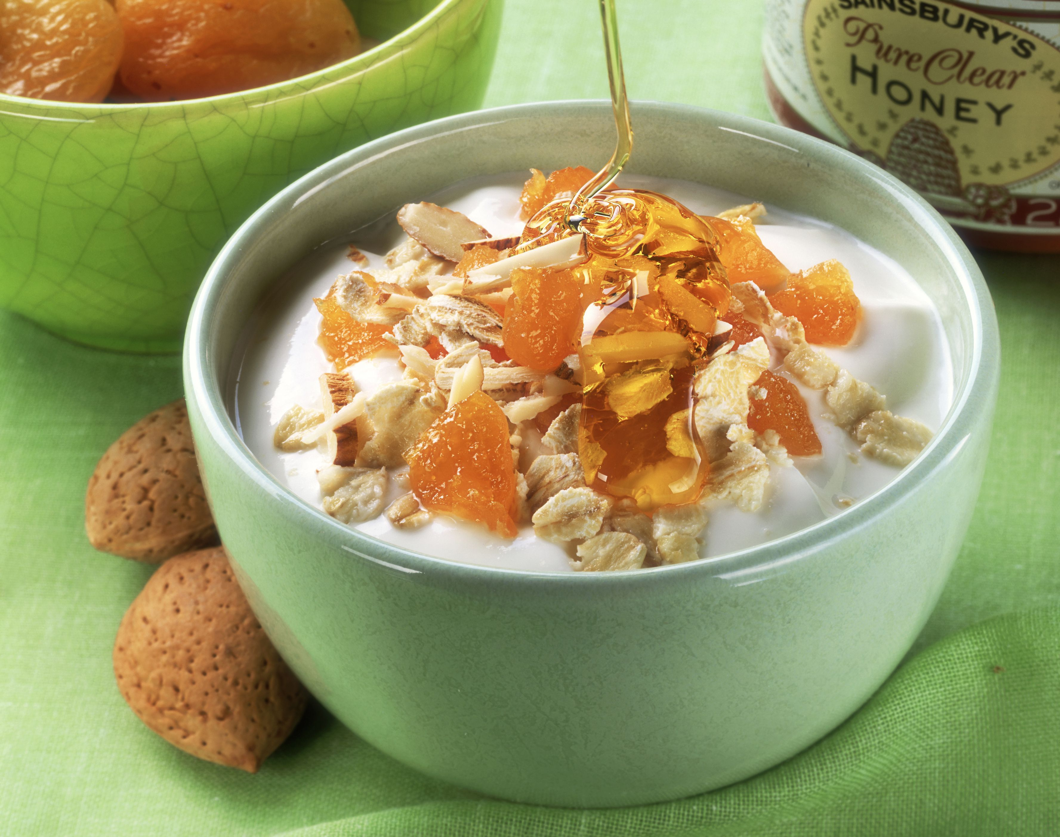 Yoghurt with dried apricots, rolled oats & honey