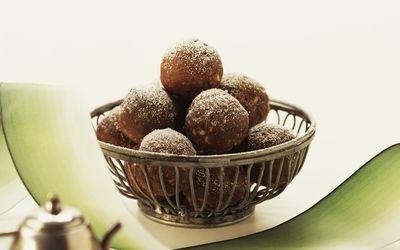 sugar-free chocolate rum balls
