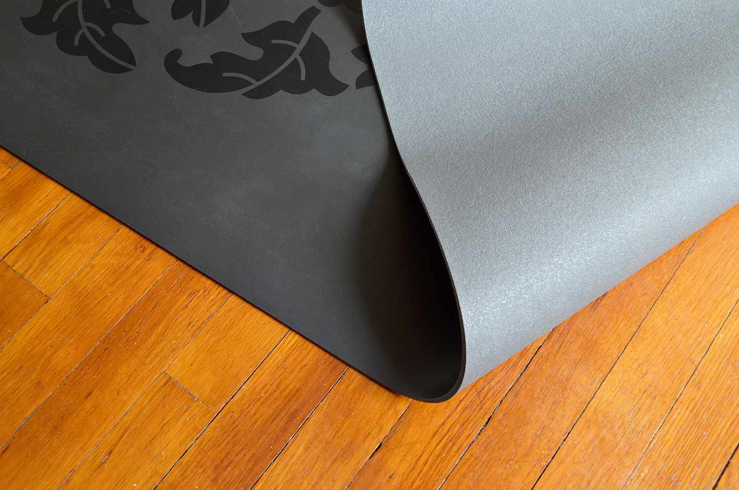 Gaiam Dry Grip Yoga Mat Review Not Slippery When Wet